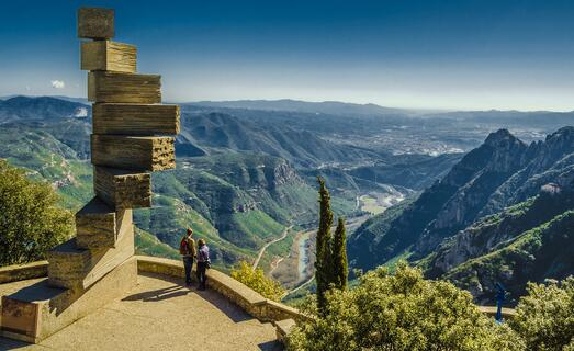 eight-8-stairs-to-heaven-in-Montserrat-in-Spain-near-Barcelona-scaled